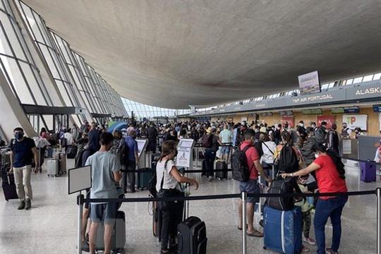 Tin vắn thế giới ngày 16/10: Mỹ dỡ bỏ hạn chế với du khách hơn 30 quốc gia từ ngày 8/11