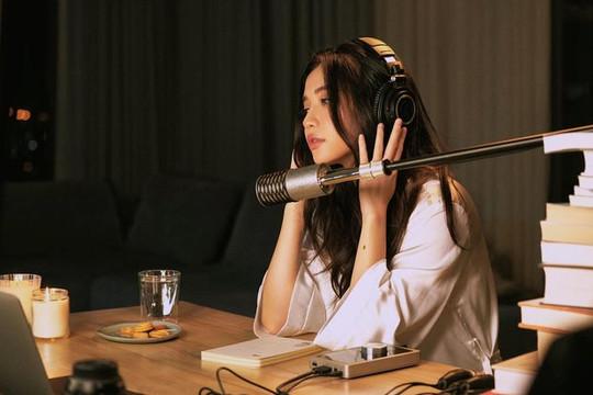 Bích Phương comeback trở lại với hình ảnh nữ tính, nhẹ nhàng