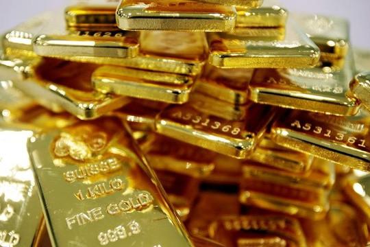 Giá vàng hôm nay 25/10: Vàng trong nước duy trì ở mức cao